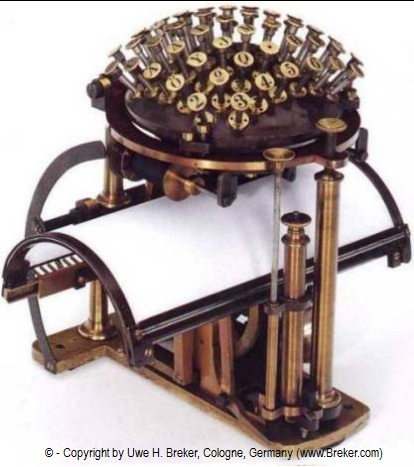 La toute premiere machine a écrire ressemblais  a ca Triumph_adler_malling_hansen